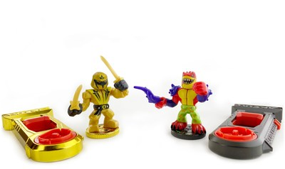 In Moose Toys' new Akedo – Ultimate Arcade Warriors, Sunshadow and Tailwhip, two of 39 unique warriors, battle with ninjas, gladiators, Vikings, teddy bears and clowns. Akedo is the first brand to combine realistic battling action figures at a micro collectible scale. Derived from the Japanese word for arcade, Akedo has a retro gaming look and delivers action-packed gameplay. Collect and display Akedo figures with or without their controllers.