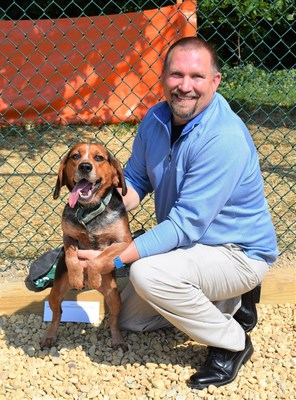 Jon Moss, Williamsburg branch manager at Virginia Green, supporting Heritage Humane Society.