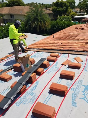ArteZanos® Solar Thermal R.I.S.A installed with Tegole Flat Profile ArteZanos® Hybrid System.